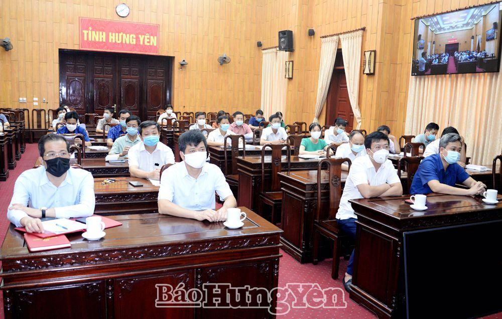 Các đại biểu dự hội nghị tại điểm cầu Hưng Yên (Ảnh: Nguyễn Nhân)